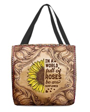 In a world full of roses All-over Tote front