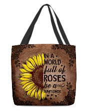In a world full of roses All-over Tote back