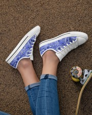Beautiful blue roses Women's Low Top White Shoes aos-complex-women-white-low-shoes-lifestyle-02