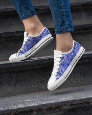 Beautiful blue roses Women's Low Top White Shoes aos-complex-women-white-low-shoes-lifestyle-06