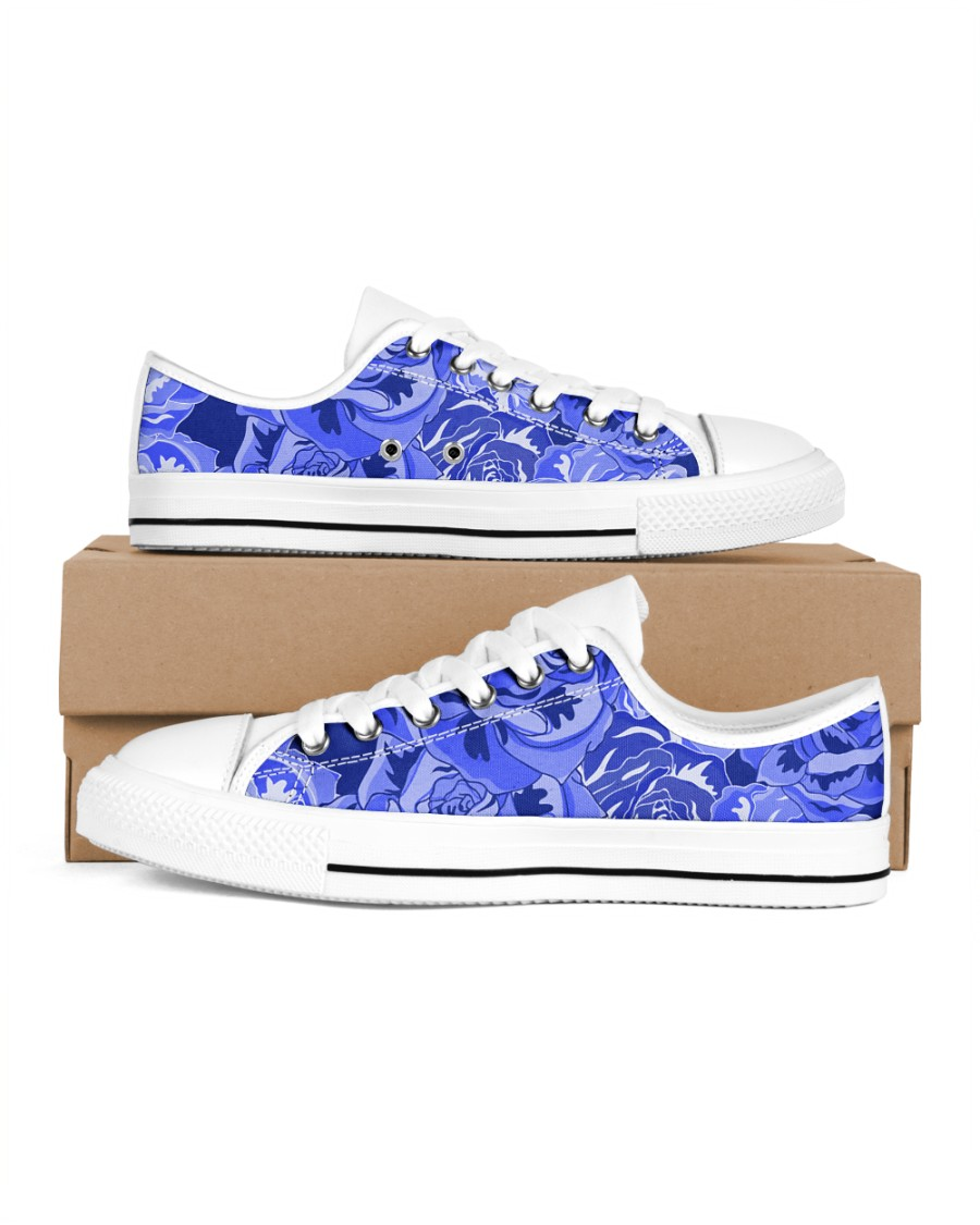 Beautiful blue roses Women's Low Top White Shoes