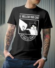 Cat shirt le meilleur papa chat Classic T-Shirt lifestyle-mens-crewneck-front-6