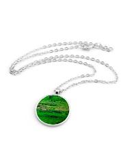 green Metallic Circle Necklace aos-necklace-circle-metallic-lifestyle-03