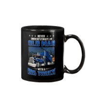 Truck Clothes - Never underestimate an old man Mug tile