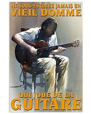 qui joue de la guitare 16x24 Poster front