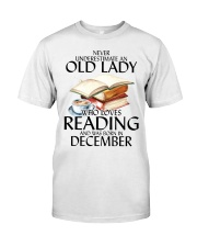 Never Underestimate Old Lady Reading December Classic T-Shirt thumbnail
