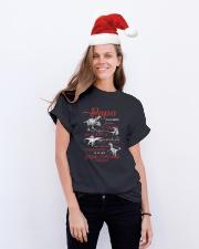 FRENCH VERS - TO DAD -TU ES MON DINOSAURE PRÉFÉRÉ Classic T-Shirt lifestyle-holiday-crewneck-front-1