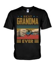 GRANDMA AND GRANDCHILDREN - TSHIRT V-Neck T-Shirt thumbnail