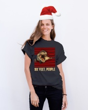 T-rex - Six Feet people - T-shirt Classic T-Shirt lifestyle-holiday-crewneck-front-1