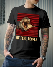 T-rex - Six Feet people - T-shirt Classic T-Shirt lifestyle-mens-crewneck-front-6