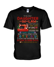 TO MY DAUGHTER-IN-LAW - QUILTING - CIRCUS V-Neck T-Shirt thumbnail