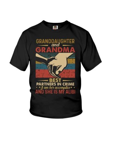 GRANDMA AND GRANDCHILDREN - TSHIRT