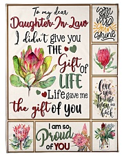 MOM TO DAUGHTER IN LAW Fleece Blanket tile