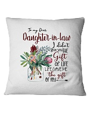 MOM TO DAUGHTER IN LAW Square Pillowcase tile
