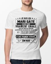 Cadeau parfait pour un etre cher - 1 Classic T-Shirt lifestyle-mens-crewneck-front-13