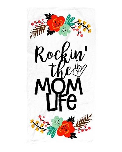 Rockin' The Mom Life