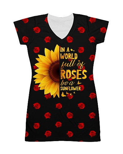 In The World Full Of Roses Be A Sunflower