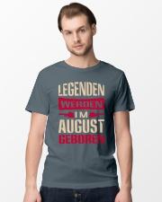 LEGENDEN WERDEN IM AUGUST GEBOREN Classic T-Shirt lifestyle-mens-crewneck-front-15