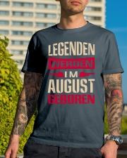 LEGENDEN WERDEN IM AUGUST GEBOREN Classic T-Shirt lifestyle-mens-crewneck-front-8