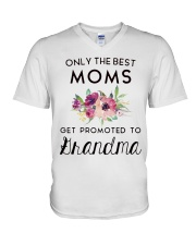 ONLY THE BEST MOMS GET PROMOTED TO HRANDMA V-Neck T-Shirt thumbnail