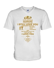 TO MY GORGEOUS HUSBAND I LOVE YOU V-Neck T-Shirt tile
