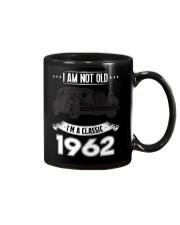 I am not old i'm a classic 1962 t-shirt Mug thumbnail