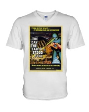 Ultimatum alla Terra 1951 shirts and bags V-Neck T-Shirt thumbnail
