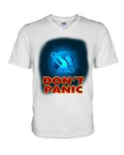 Don't Panic - Guida Galattica per Autostoppisti V-Neck T-Shirt thumbnail