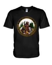 Go ouside - A bear kills you V-Neck T-Shirt thumbnail
