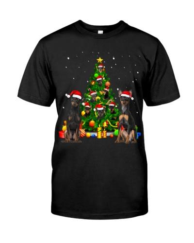 Miniature Pinschers-Christmas Tree