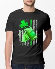 St-Patrick Flag - Beer Splash Classic T-Shirt lifestyle-mens-crewneck-front-13