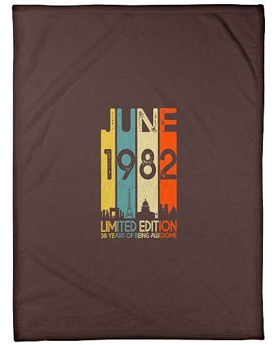 Vintage 1982 38 Years Of Being Awesome T-Shirt