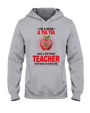 NOTHING SCARES ME - PERFECT GIFT FOR YIAYIA Hooded Sweatshirt front