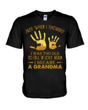 I BECAME A GRANDMA V-Neck T-Shirt tile