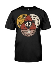 42 The Answer To Life The Universe And Everything Classic T-Shirt front