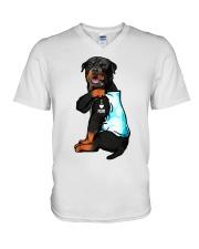 Rottweiler tattoo I Love Mom shirt V-Neck T-Shirt thumbnail