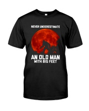 Camping - Never Underestimate Classic T-Shirt front