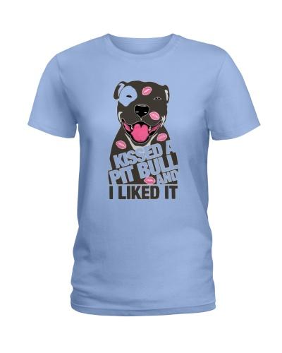 Kiss a pitbull TM99