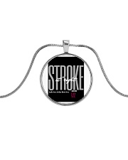 STROKE IT RIGHT GRAY Metallic Circle Necklace front
