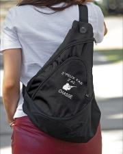 Je peux pas j'ai chasse Sling Pack garment-embroidery-slingpack-lifestyle-01