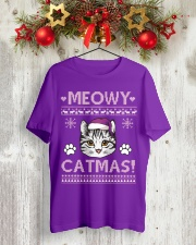 MOEWY CATMAS Classic T-Shirt lifestyle-holiday-crewneck-front-2