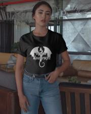 Ich Bin Der Hausdrachen Shirt Classic T-Shirt apparel-classic-tshirt-lifestyle-05
