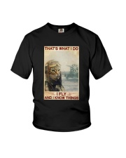 Cat Thats What I Do I Fly And I Know Things Shirt Youth T-Shirt thumbnail