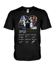 42 Years Of Star Wars 1977 2019 Signatures Shirt V-Neck T-Shirt thumbnail