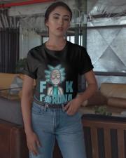 Professionele Bier Tester Shirt Classic T-Shirt apparel-classic-tshirt-lifestyle-05