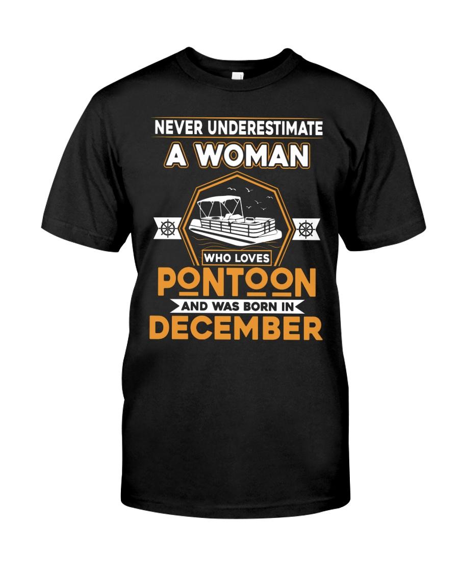 PONTOON BOAT GIFT - DECEMBER PONTOON WOMAN Classic T-Shirt