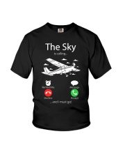 AIRLINE PILOT GIFTS - SKY IS CALLING Youth T-Shirt thumbnail