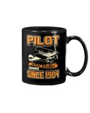 PILOT SOCIAL DISTANCE TRAINING SINCE 1904 Mug thumbnail
