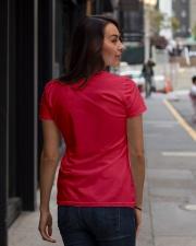ICH WEDE NICHT AUFGEBEN Ladies T-Shirt lifestyle-women-crewneck-back-1