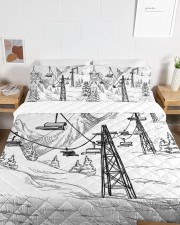 Skiing bed set 1 Queen Quilt Bed Set aos-queen-quilt-bed-set-lifestyle-front-06a